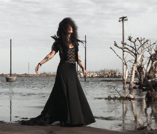 Andrea Álvarez presenta Y Lo Dejamos Venir