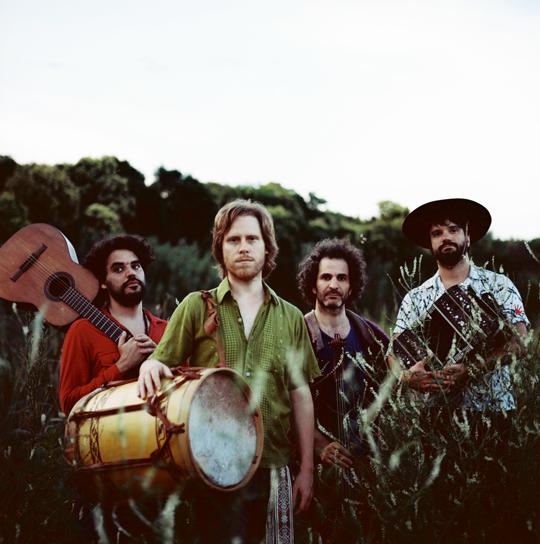 Los Grillos del Monte presentan su disco debut
